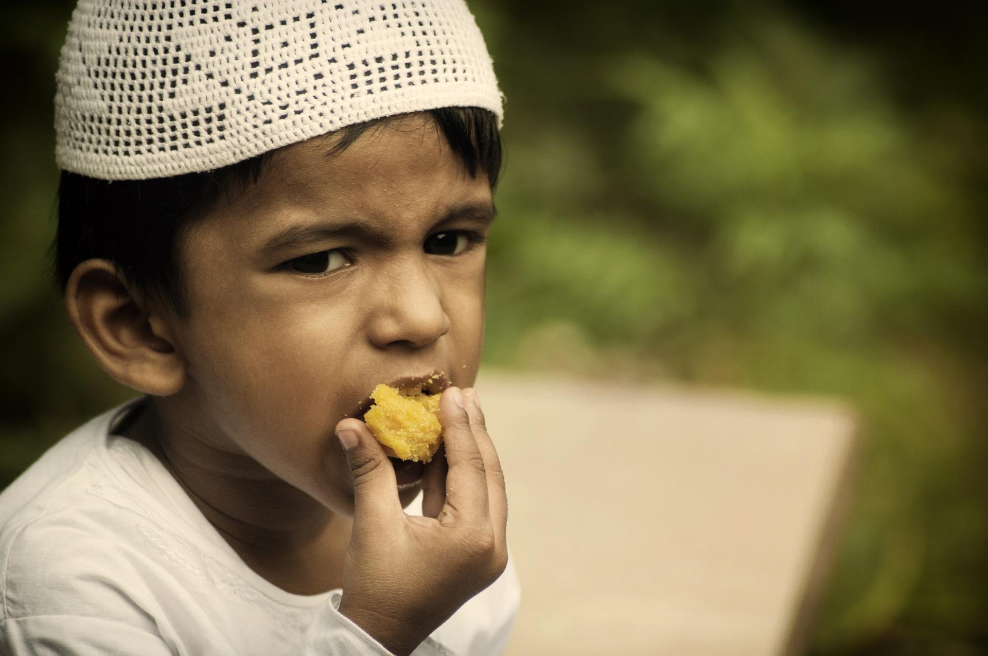 Tips Cara Mengajarkan Anak Berpuasa Sejak Dini