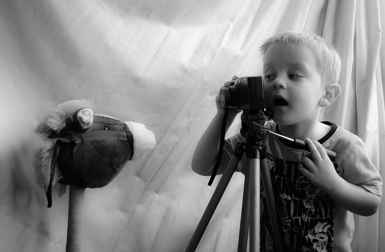Cara Mendidik Anak Usia 4-10 ala Nabi : Bahaya Melarang Anak-anak dari Mainan