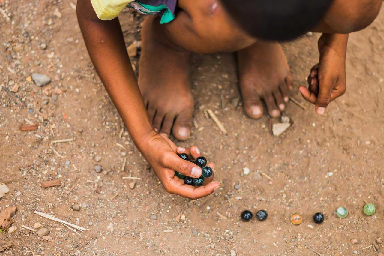 Mendidik Anak Cara Nabi usia 4-10 : Tidak Membubarkan Anak yang Sedang Bermain